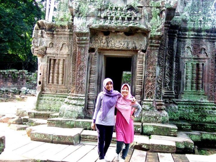 Saya dan Pupu di Angkor Wat, Siem Reap, Cambodia.