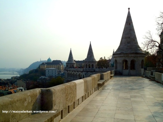 Di atas pelataran Fisherman's Bastion