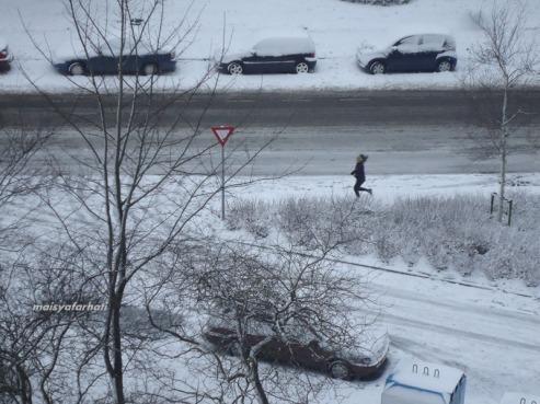 Yang paling cetar membahana: jogging di tengah salju