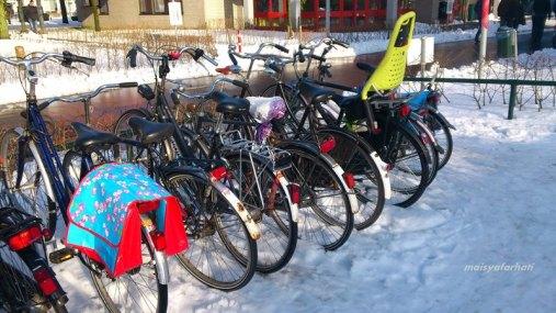Rubi, sepeda saya, di parkiran kampus