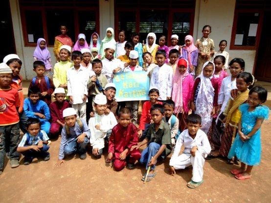 Siswa SDN 4 Telukjatidawang, Bawean (tahun ajaran 2011-2012)