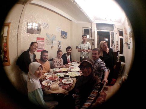 Sahur hari pertama di Istanbul.