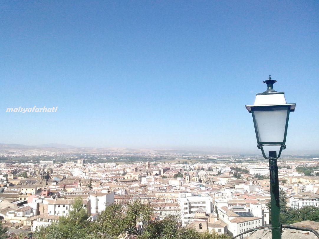 Pemandangan kota Granada dari Albaicin
