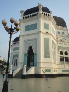 Bagian depan Masjid Raya Medan