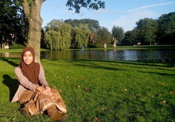 Bersantai di salah satu taman di Groningen (2013)