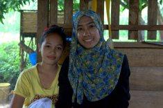 Bersama Koma yang kini tumbuh menjadi seorang remaja (foto: Chendra)