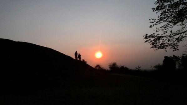 Matahari terbenam dilihat dari Candi Abang (2)