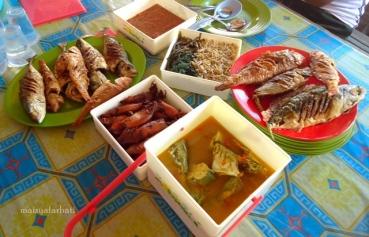 Aneka boga bahari untuk makan siang