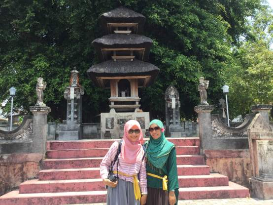 Akhirnya bertemu Zahra a.k.a. Ijah di Travel Writers Gathering 2015, Lombok (November 2015)