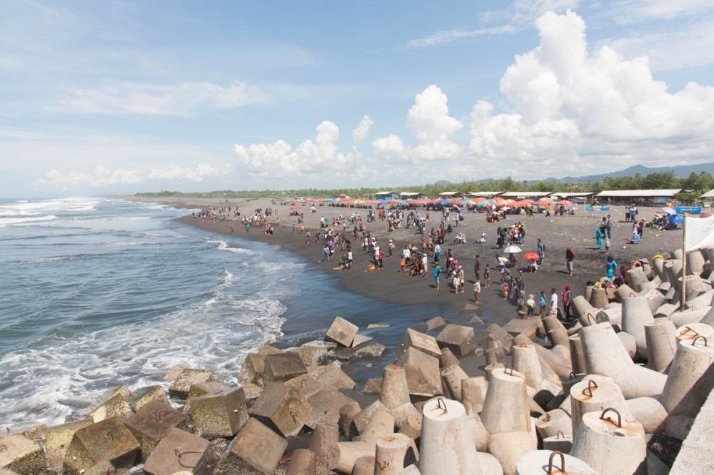 Ramainya Glagah di hari terakhir liburan sekolah (foto: Chendra)